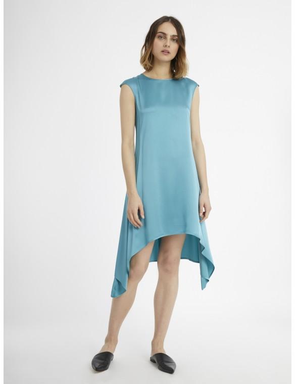 Frills sleeveless dress side.