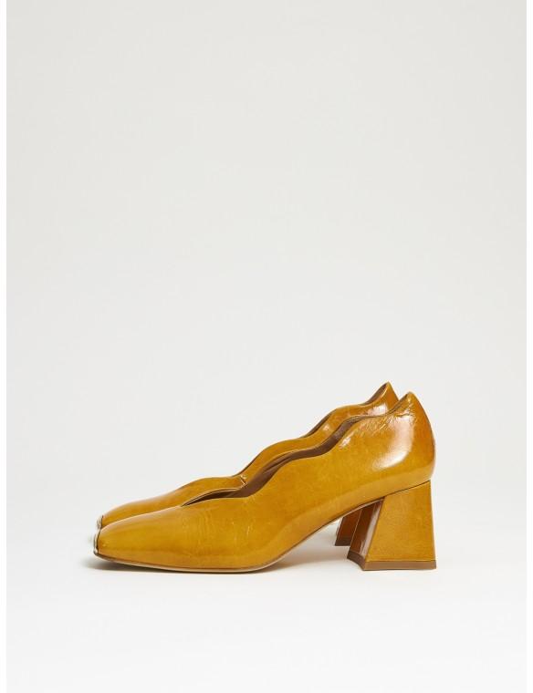 Shoe heel eularia.