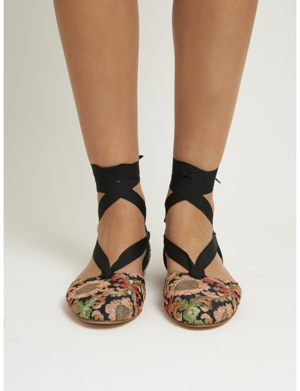 Sandal flat ribbon and...