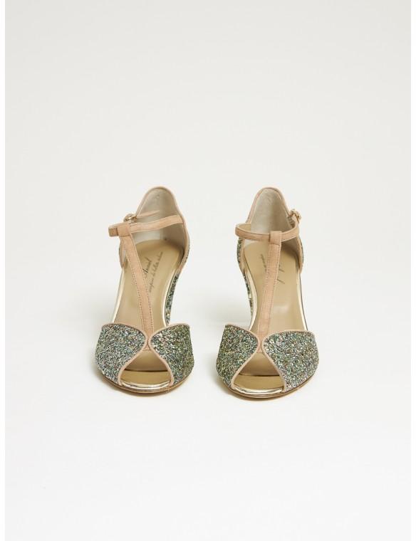 Sandal heel glitter.
