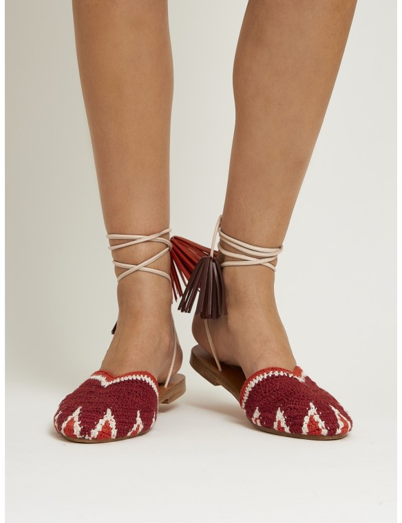 Sandal crochet and tassels.
