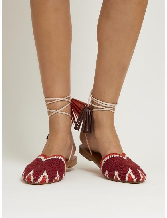 Sandal crochet and tassels.