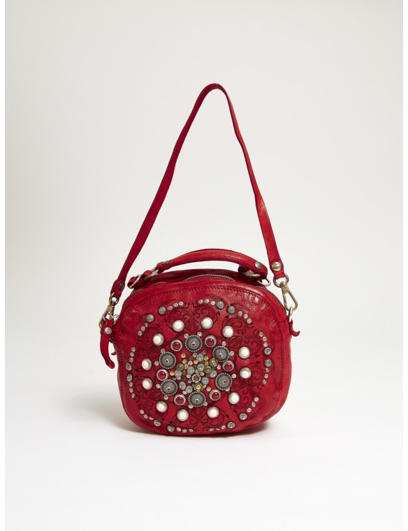 Studded medium bombonera.