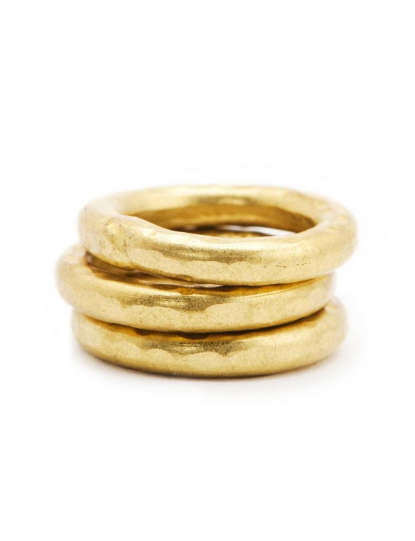 Smooth brass ring.