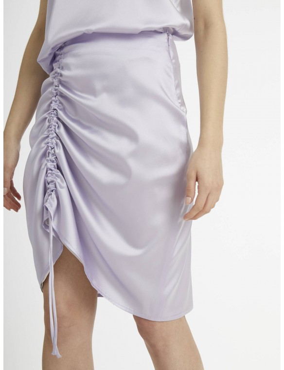 Silk skirt with gather.