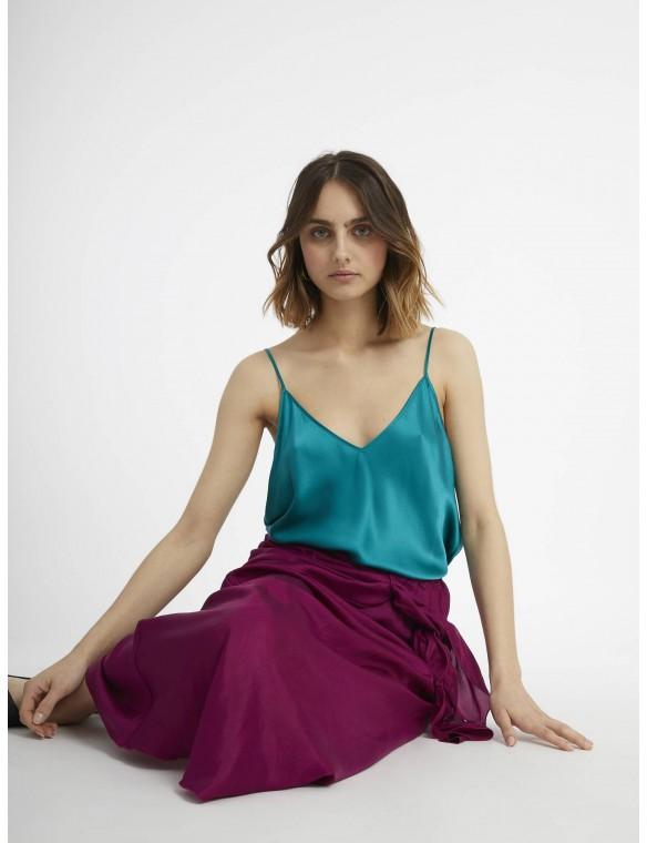Knot silk skirt.