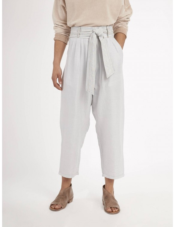 Linen trousers belt...
