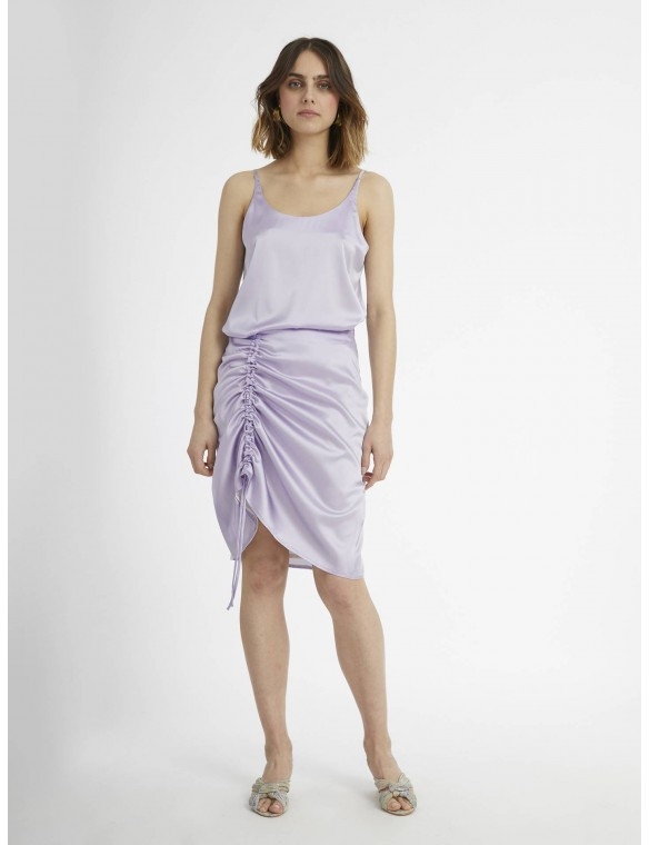 Top mauve silk.