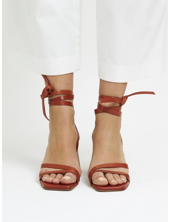 Sandal medium heel quima.