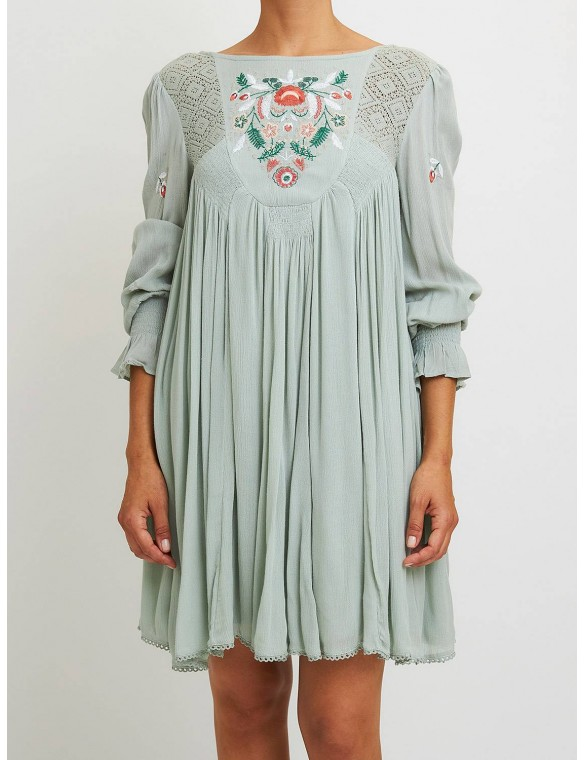 Short dress with embroidery.