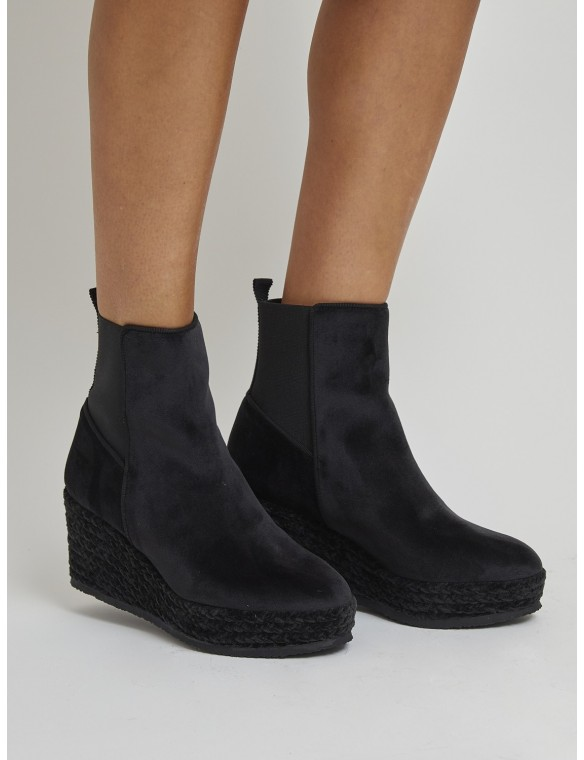Wedge anke boots