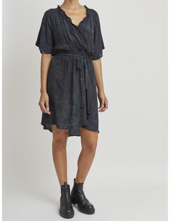 Short silk dress with belt