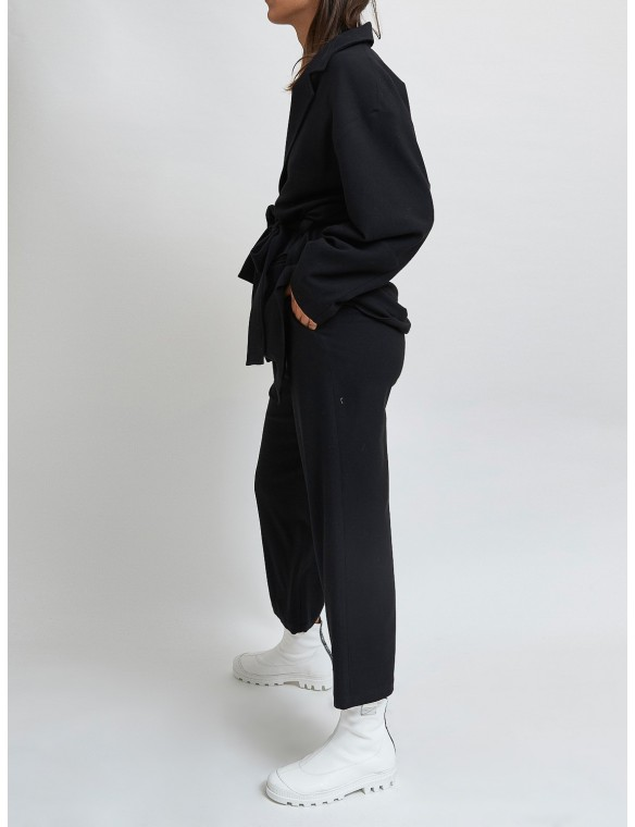 Straigh wool trousers. MAAZI