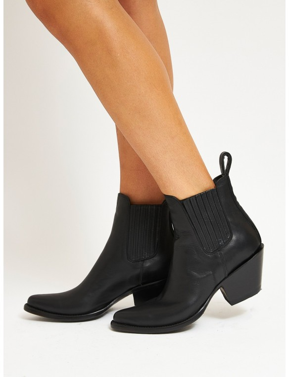 Rubber side heel cowboy boot