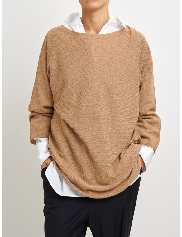 Oversize sweater with boat...