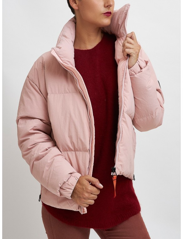 Puffa jacket neck
