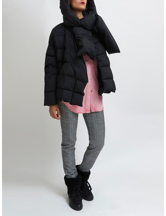 Puffa jacket with scarf black