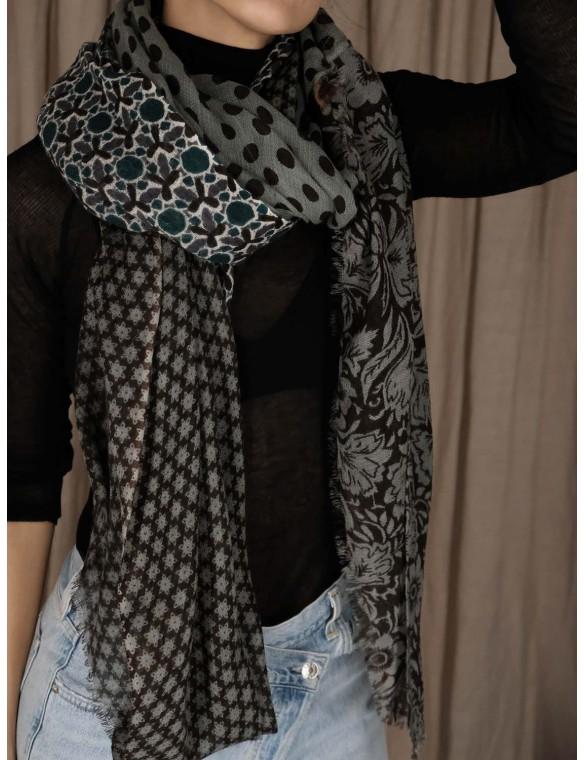 Geometric drawings scarf