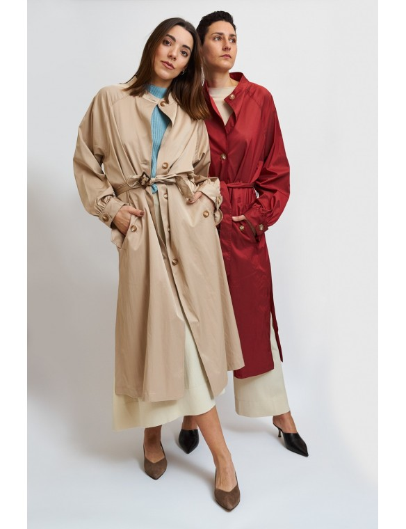 Long trench coat with buttons