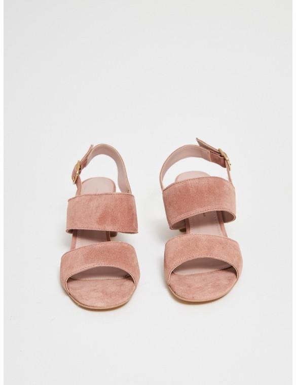 Sandalia tiras tacón medio