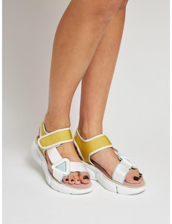 Sports style sandal