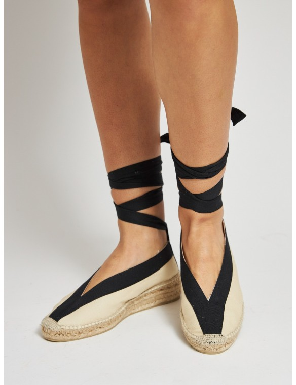 Espadrille with black strips