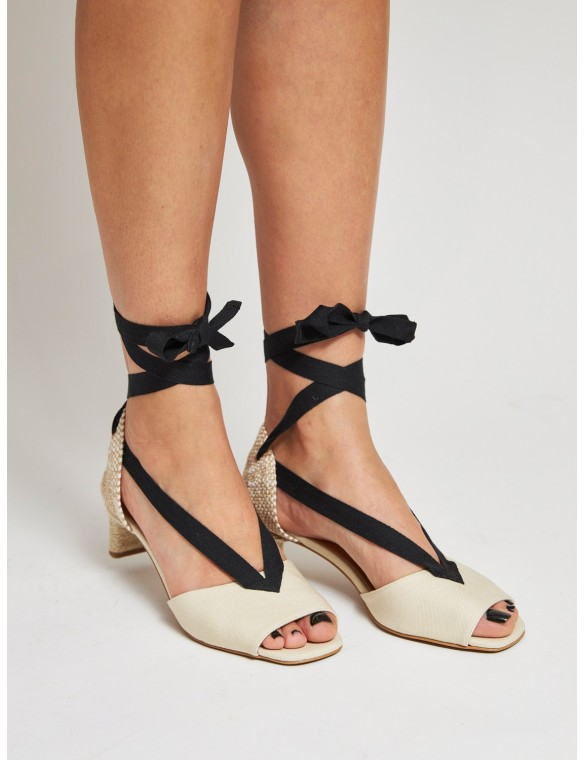 Sandal with heel and black...