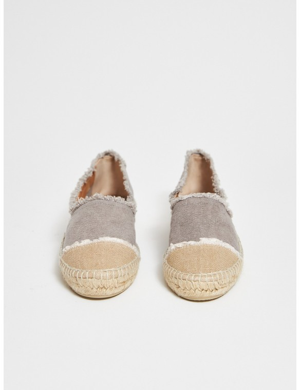 Espadrille flat frayed trims