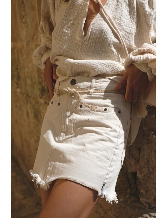 Mini falda detalle cinturón