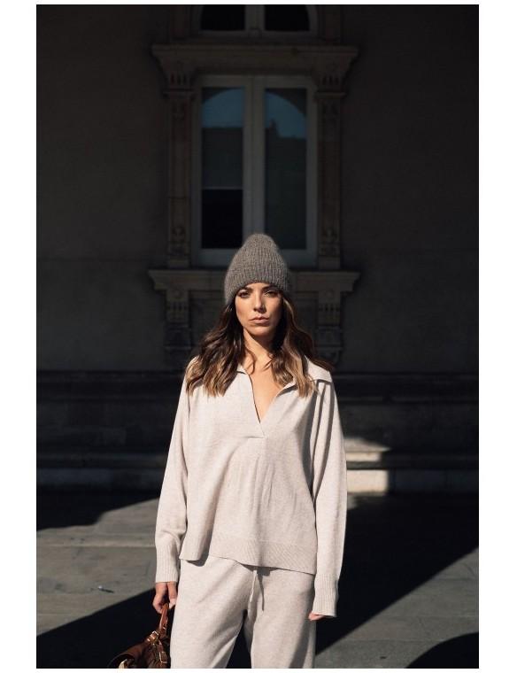 V-neck cashmere jumper