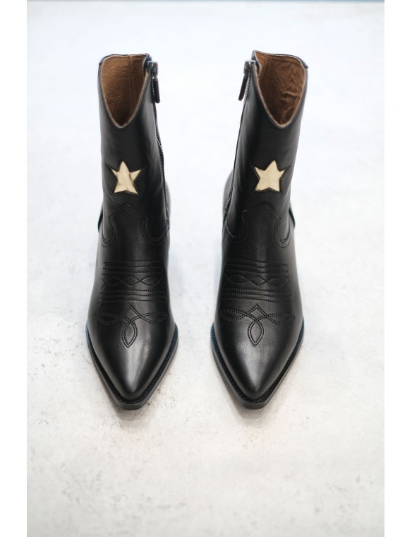 Star cowboy boots