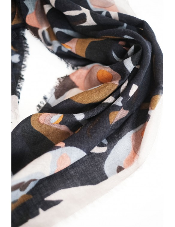 Faces print scarf