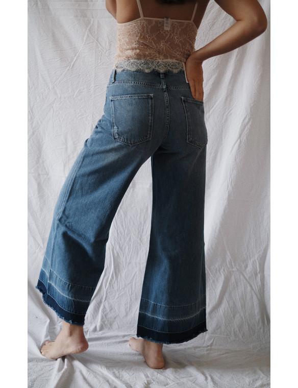 pantalón vaquereo ancho