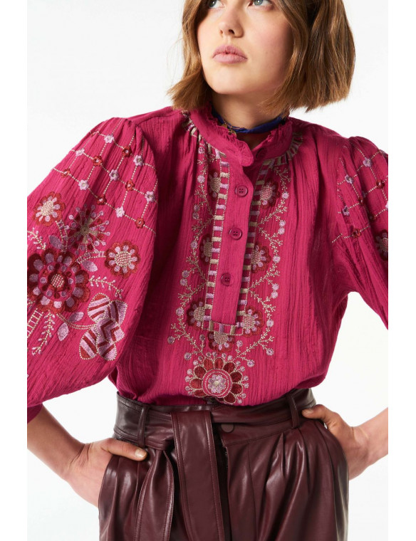 Camisa bordada cuello
